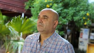 """El Ing. Pappalardo, egresado y docente de la UNSE, construyó un """"Bipedestador Movil"""""""