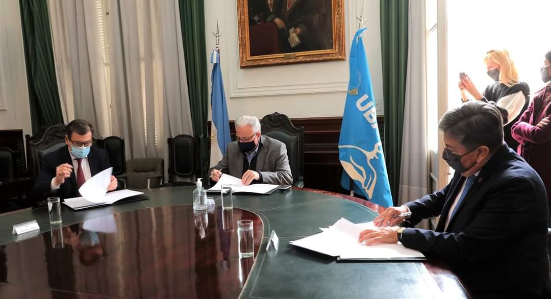 Hospital Universitario de Clínicas: se concretó la firma de convenio entre el Gobierno de la Provincia, la UNSE y la Universidad de Buenos Aires